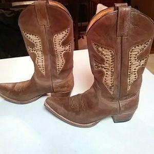 FRYE Daisy Duke Cowboy Boots!